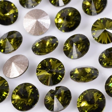 Strass Rivolli Swarovski art. 1122 base conica Olivine SS29D6,20mm