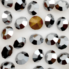 Strass LDI Collection base conica Jet Hematite SS398,15mm